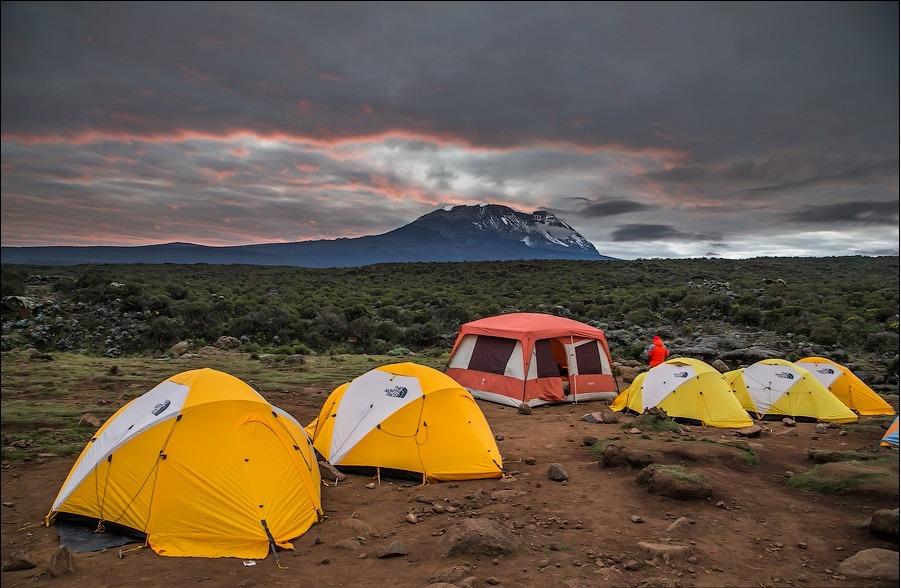 Стандартный лагерь Altezza Travel на одну группу в лагере по маршруту Лемошо